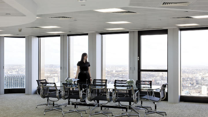Philips office lighting control systems brings extra light and sustainability to this Tower 42 meeting room